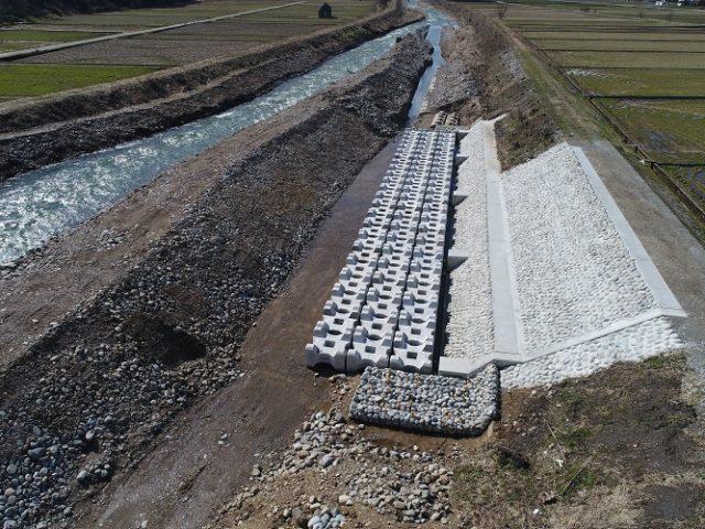 布施川河川災害復旧護岸工